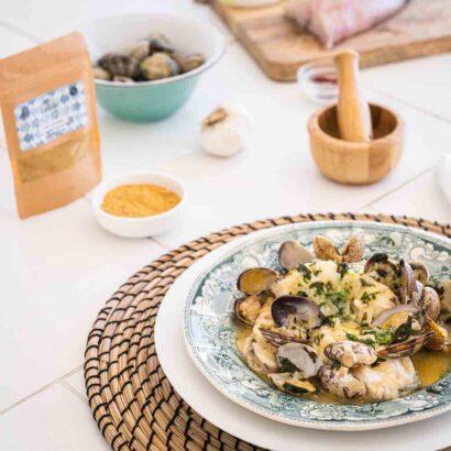 Caldo de pescado para paella